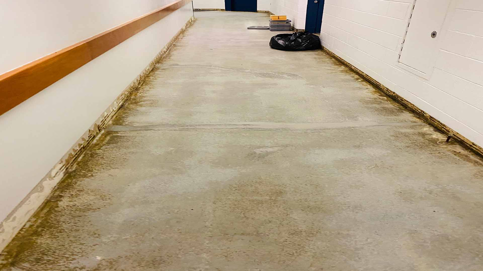 industrial flake hallway Before 1920w